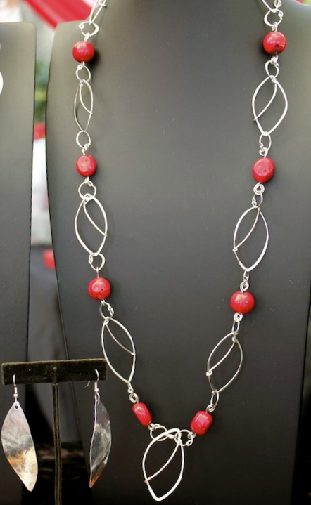 A long light weight necklace is a great accessory to your outfits.