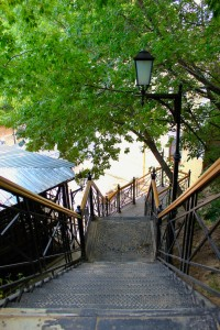 While walking along Andriyivsky Uzviz, you may feel adventurous and explore one of such stairs.