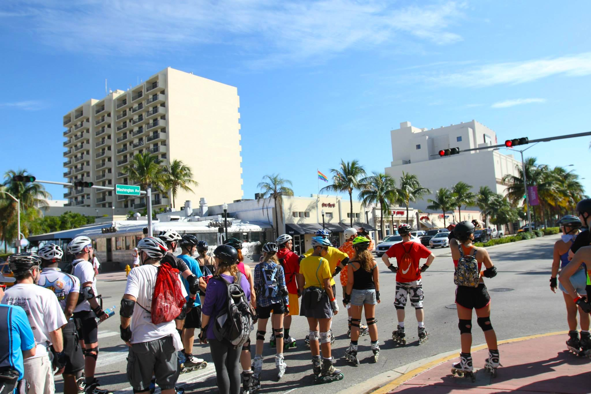 Art Deco Tour challenges skaters to go up and down hills, cross the roads and explore various nooks of Miami Beach under the guidance of experienced skaters & volunteers.